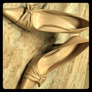 Nine West Tan heels, size10